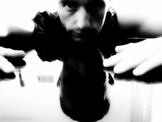 6 ArtReflection Bnw Autoportrait invictusvince