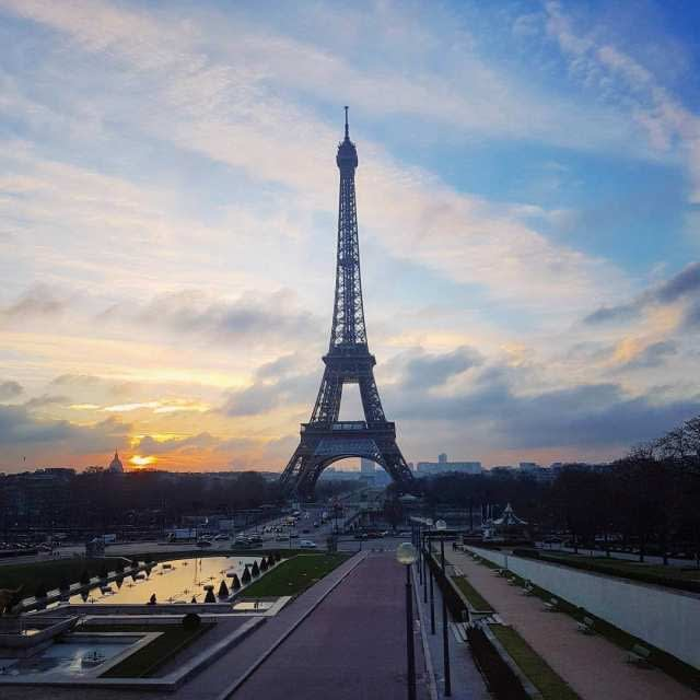 Dawn at the Eiffel Tower